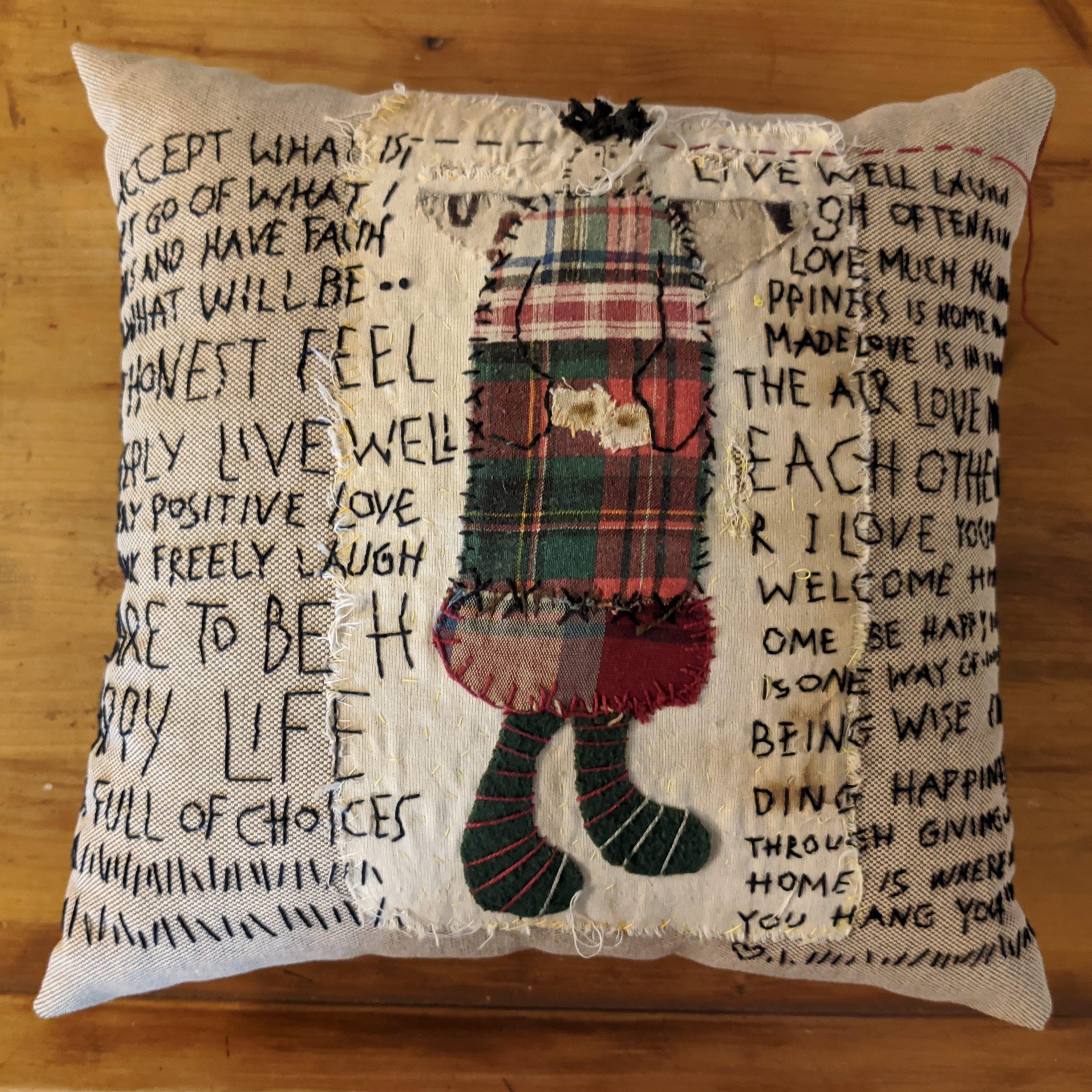 Μαξιλάρι special / Embroidered recycled vintage pillow