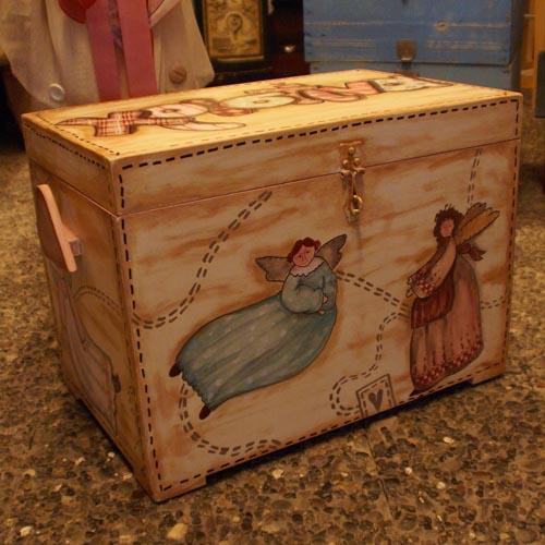 Ξύλινο μπαούλο Χριστίνα  / Wooden angels chest