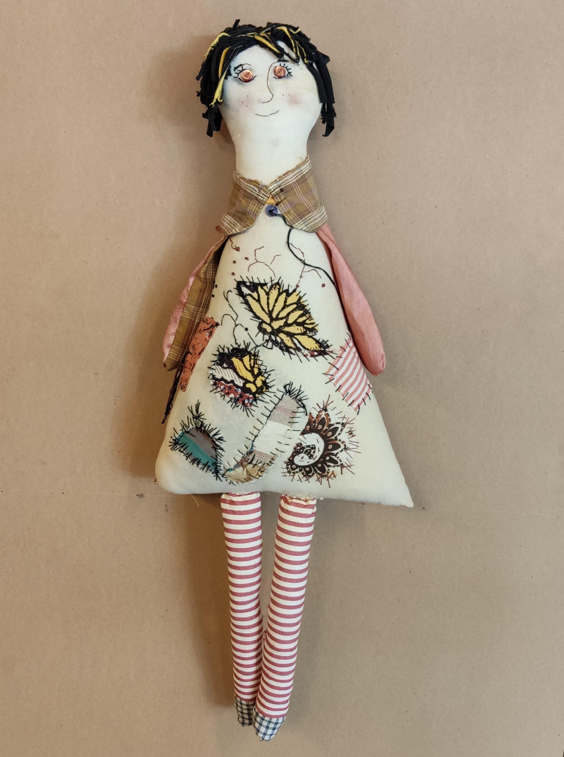 Υφασμάτινη Κούκλα-Μαξιλάρι2 – Fabric pillow doll2