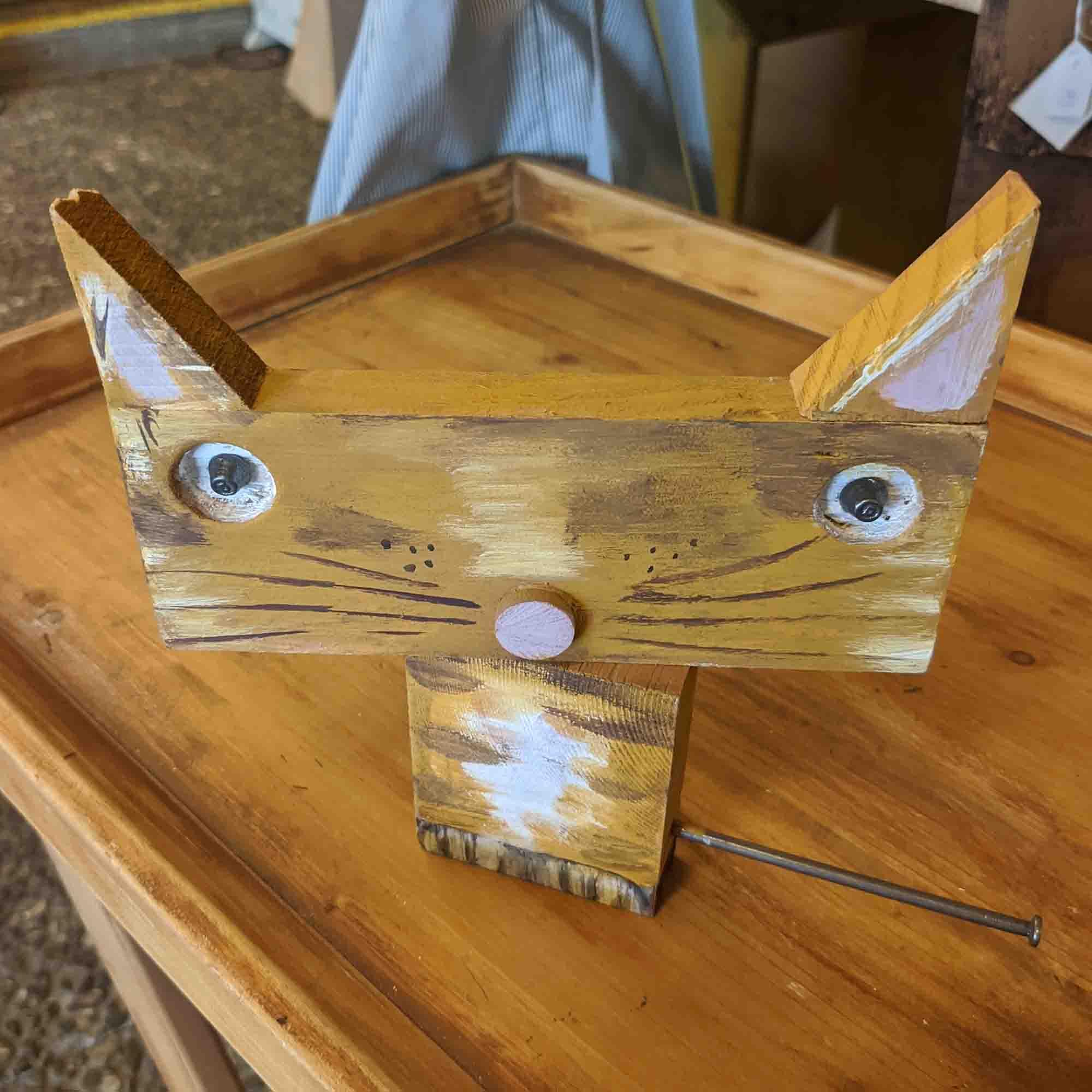 Ξύλινη γάτα