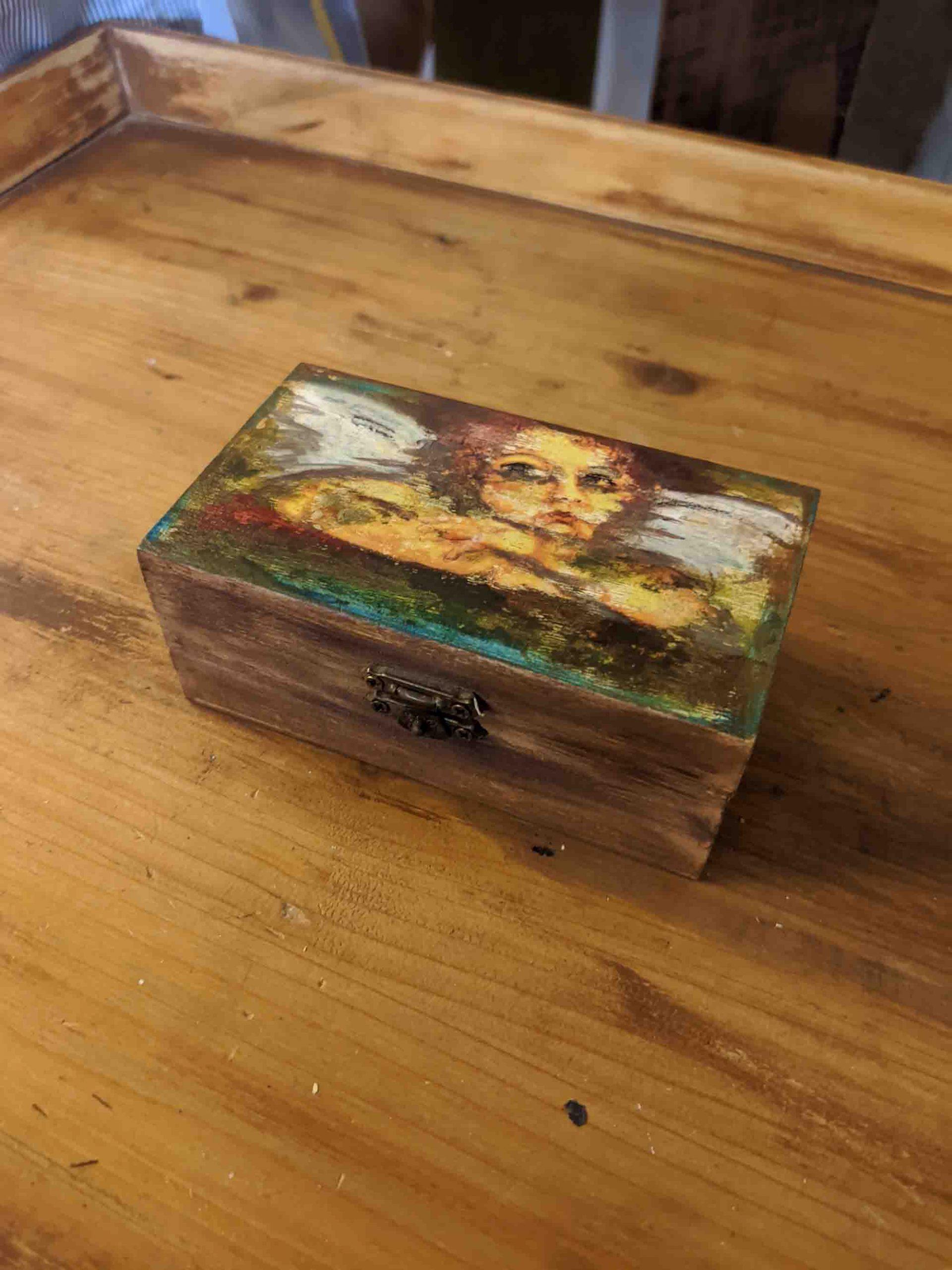 Ξύλινο κουτάκι – Mini wooden box