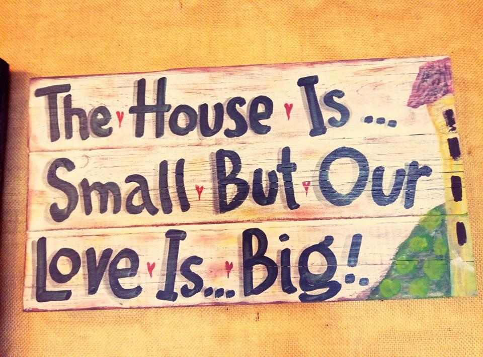 """Ξύλινη πινακίδα, """"The house is…"""""""